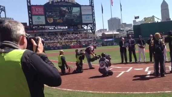 Pirates Opening Day: Fans React to Barry Bonds