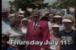 Former WTAE chief meteorologist Joe DeNardo with a crowd of Kennywood Park visitors in 1985.