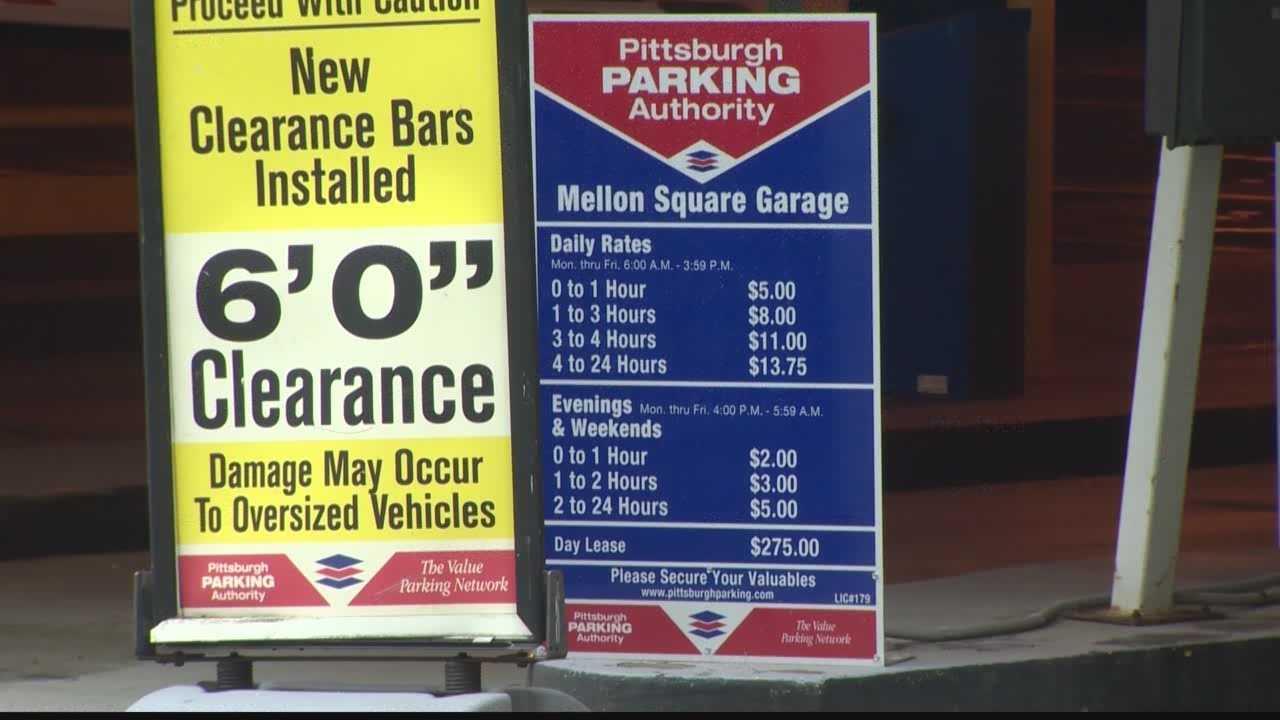 img-Parking garage sign