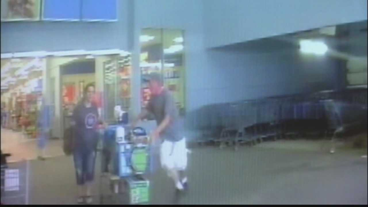 img-Couple suspected of stealing from stores with children left in car