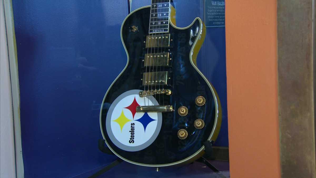bret michaels donates steelers guitar to hard rock cafe. Black Bedroom Furniture Sets. Home Design Ideas