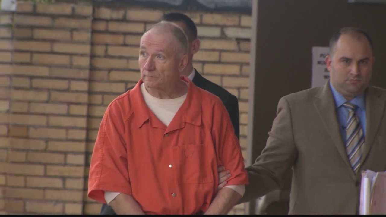Fayette County pastor pleads no contest to assaulting 3 girls