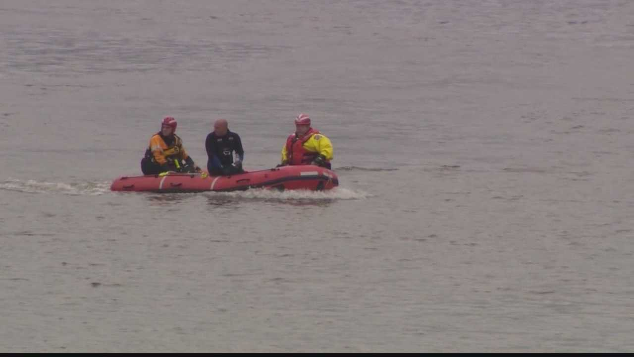 Search continues for missing jet skier on Allegheny River