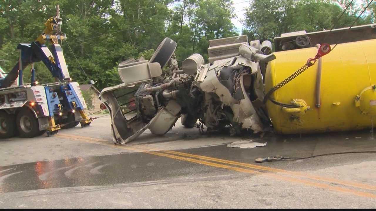 img-Driver killed in water tank truck crash identified
