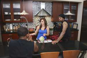 """""""DJ Paul/Plaxico Burress"""" - Academy Award-winning rapper DJ Paul of Three 6 Mafia and former NFL wide receiver Plaxico Burress are featured on the SEASON FINALE of ABC's """"Celebrity Wife Swap,"""" TUESDAY, JULY 29 (10:00- 11:00 p.m., ET) (Photo by ABC/Ronda Churchill)."""