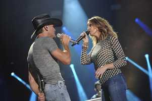 """TIM MCGRAW, FAITH HILL -- CMA MUSIC FESTIVAL: COUNTRY'S NIGHT TO ROCK - The ABC Television Network airs """"CMA Music Festival: Country's Night to Rock"""" on TUESDAY, AUGUST 5 (8:00-11:00 PM/ET). (ABC/Eric Gebhart)"""