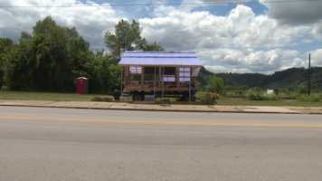A farm stand called Dylamato's Market has begun selling fresh produce on Second Avenue in Hazelwood.