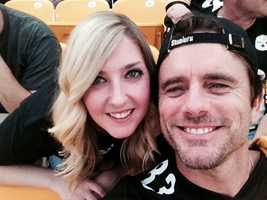 "Steelers games usually have a few celebs in attendance, today our 6pm producer spotted Charles Esten, lead male actor of ABC's hit show ""Nashville"" in attendance!"