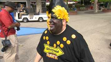 Kennywood mascot Mr. Fanatic