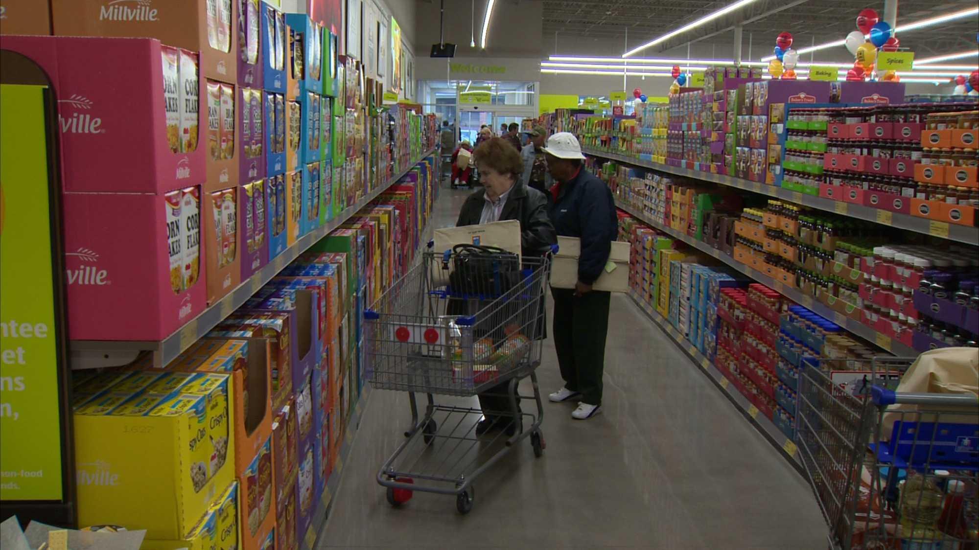 Aldi grocery store aisle