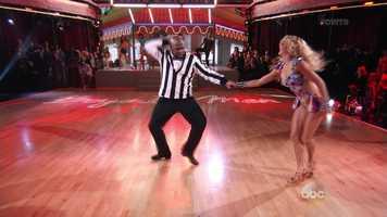 Boyz II Men member Wanya Morris is dancing with Lindsay Arnold.