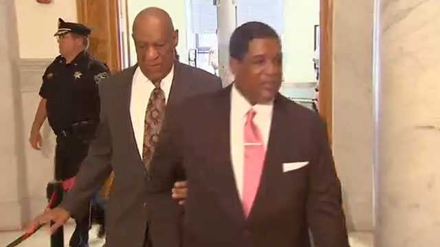 Bill_Cosby_arrives_at_pre-trial_hearing