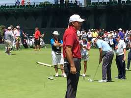 Phil Mickelson on the putting green at Oakmon