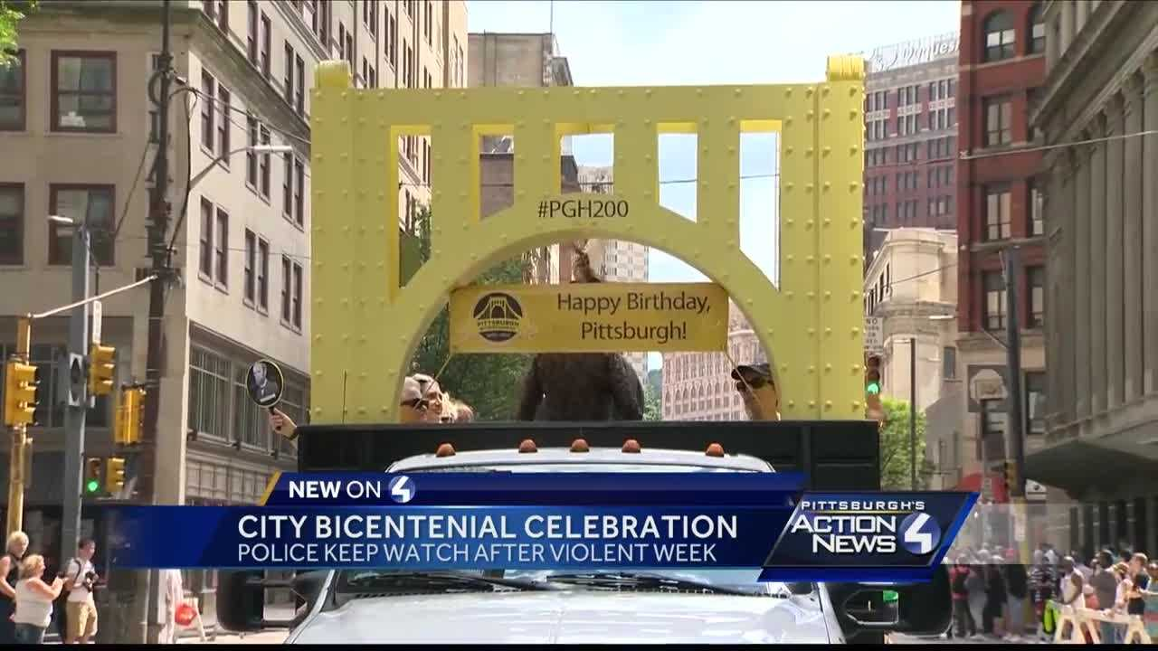 Thousands attend Pittsburgh bicentennial parade