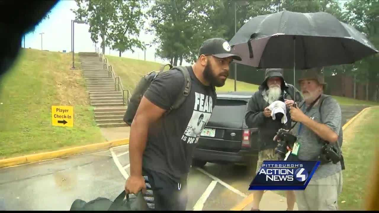 img-Steelers players coaches report for training camp on rainy first day
