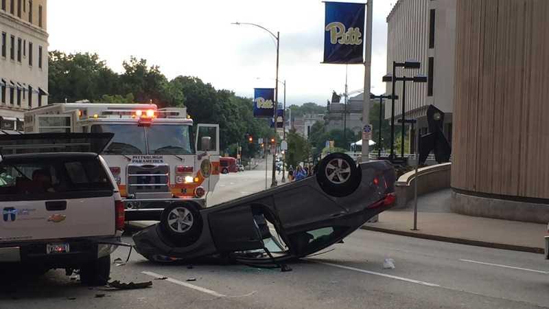 Oakland rollover crash