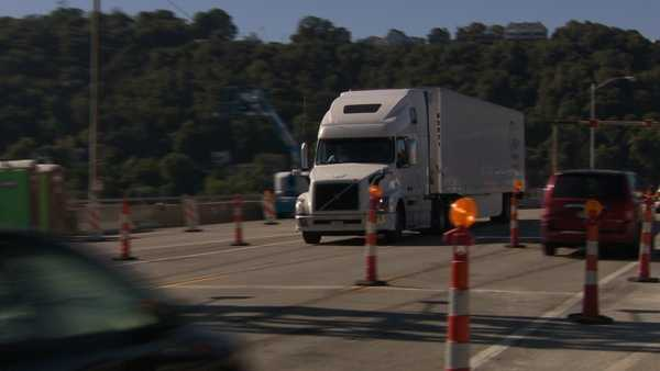 Tractor Trailer Weight Limits : Liberty bridge weight limit lifted buses trucks ok now