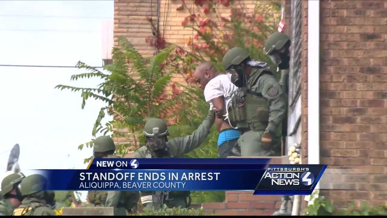Man in custody after daylong standoff in Aliquippa