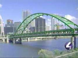 The Fort Pitt Bridge looking dapper in bright green.