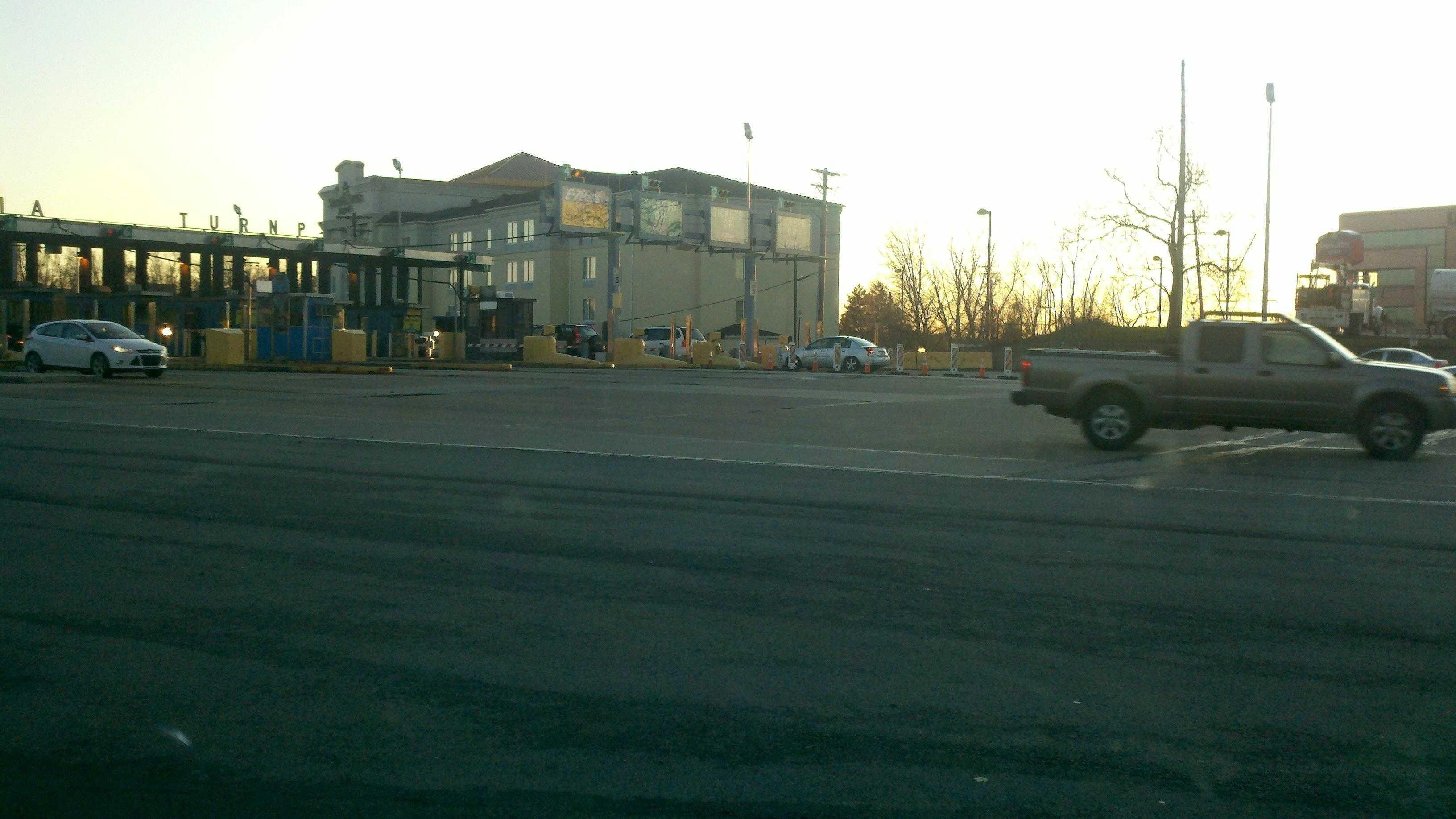 Turnpike - Monroeville (2011-11-23-16-39-27-872.jpg) - 29846600