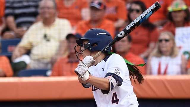 Auburn softball drops first game of Super Regional play