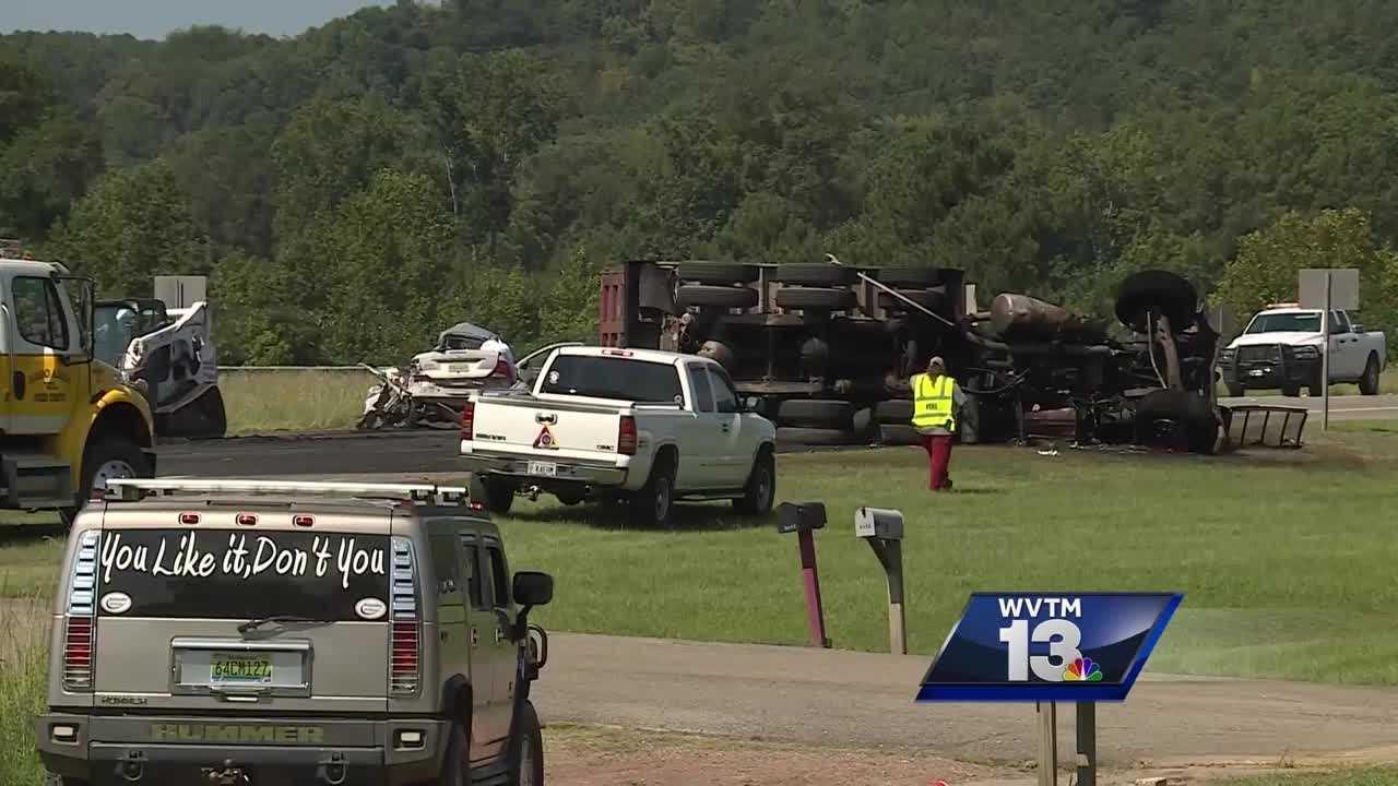 High school senior, truck driver killed in Walker County collision