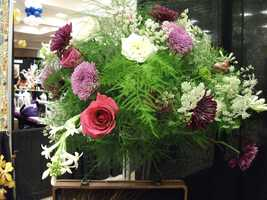 Centerpieces and tablescapes or even the church can be decorated with some original arrangements.