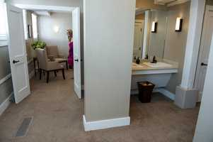 WinMock at Kinderton has plenty of room for everyone to get dressed and styled for the ceremony. Guests got to see all the ammenities at thePerfect Wedding Guide Triad/Triangle - WinMock Bridal Show.