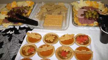 Meat trays and crackers work well with the wedding parties and/or reception. (Decorations by Ted Nichols, Jr.)