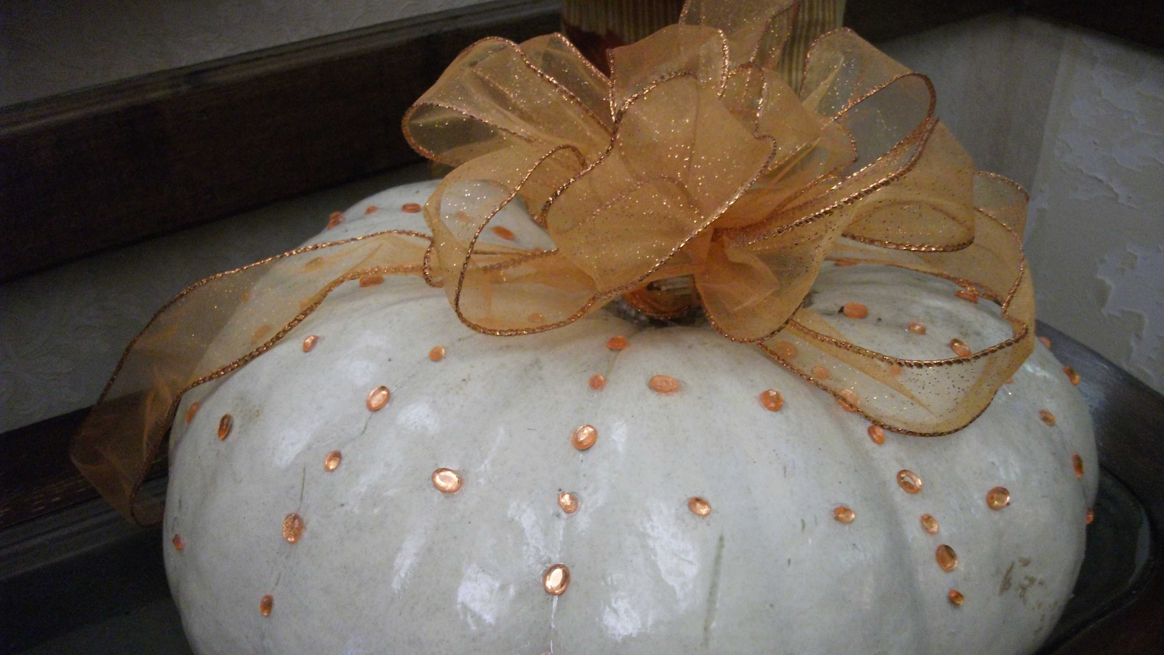 Fall, Halloween and/or Thanksgiving Themed Wedding Photos