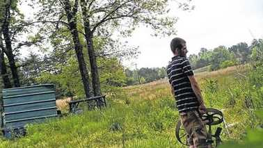 Deer camera surveillance photo of Surry County thief