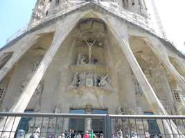 Church of La Sagrada Familia Nativity Facade has so many beautiful scrulptured images to keep wedding guests or newlyweds in awe.