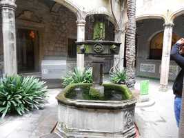 Beautiful old fountains everywhere to take memorable honeymoon shots or wedding pictures.
