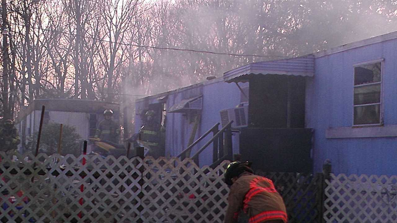 Mobile home fire image