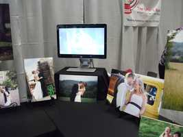 Along with the work the vendor can discuss prices and packages with the couples. (Jean Moree Photography).