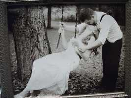 Kari V Photography had some beautiful photos she had taken of weddings to show the couples her work. (facebook page)