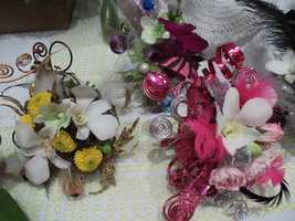 Innovative Occasions had several of these flower arrangements at the booth.
