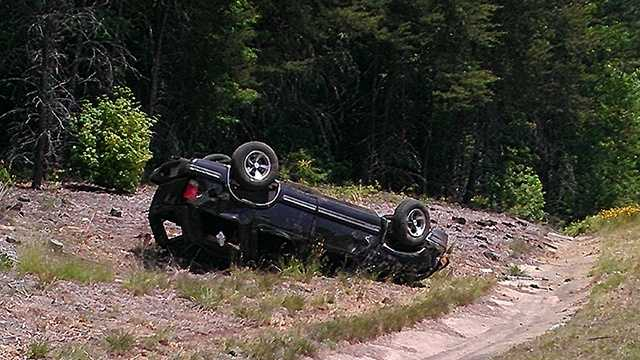 Vehicle overturns on I-85 in Davidson County