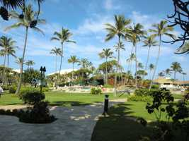 The Maui hotel with great lawns and swimming pools.