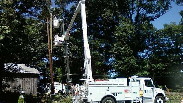 Crews restore power