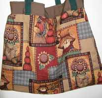 The Hags Bags has several tote bags to use for gifts to go with your Fall or Thanksgiving themed wedding. They can also make smaller bags for favors for wedding guests.