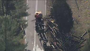 Log truck crash 120213