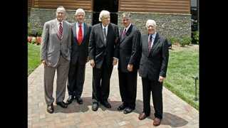 Former U.S. presidents George H. W. Bush, Bill Clinton and Jimmy Carter, with Rev. Billy Graham and Rev. Franklin Graham in front of the Billy Graham Library