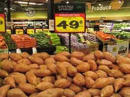 BI-LO has sweet potatoes for .49 per pound, with card. BI-LO is open 7 a.m. to 7 p.m. on Thanksgiving Day.