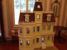 Hinson bought the dollhouse for $475