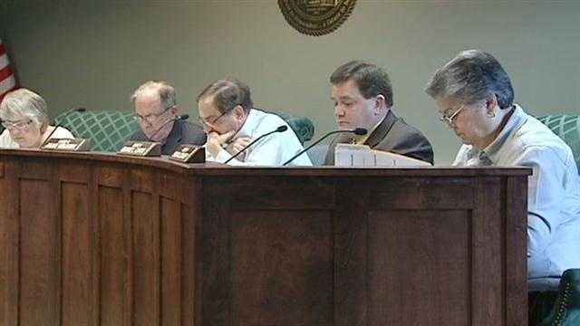 Proposal to eliminate City Council salaries dies