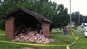 abbeville fatal car into building