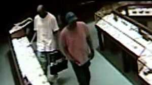 Jewelry store robbers on camera