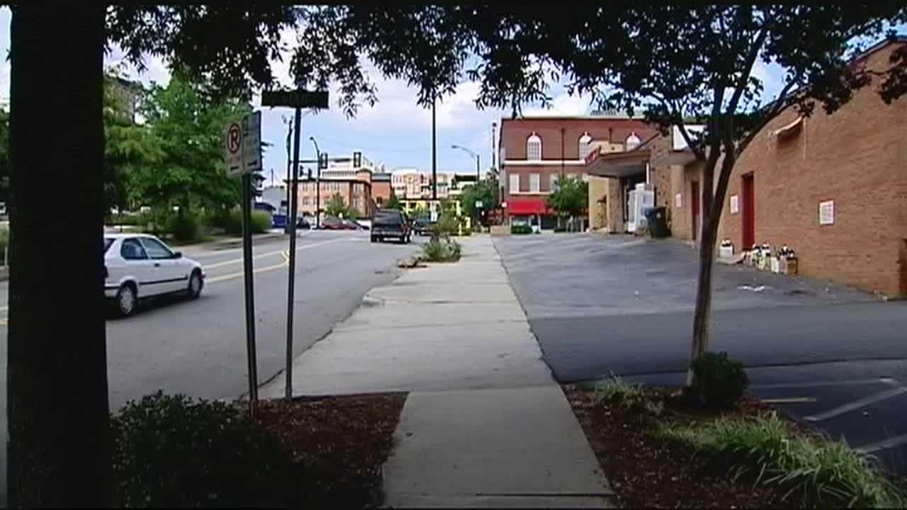 Police investigate BB gun shooting into car