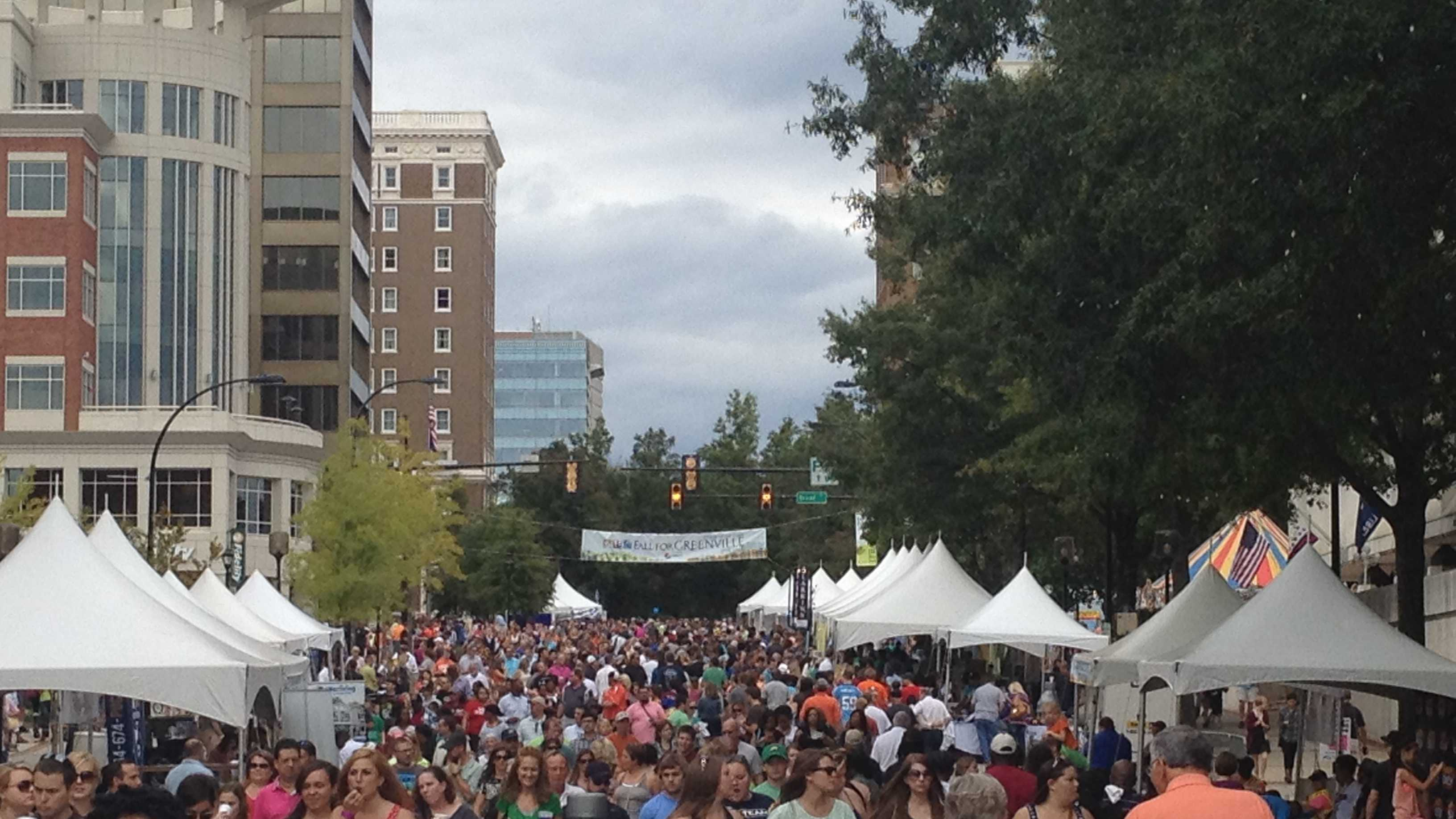 Fall for Greenville crowds fill downtown